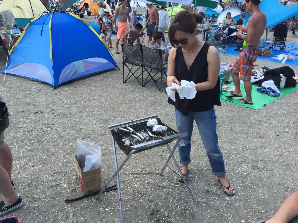 アイコちゃんがお魚さんの準備!