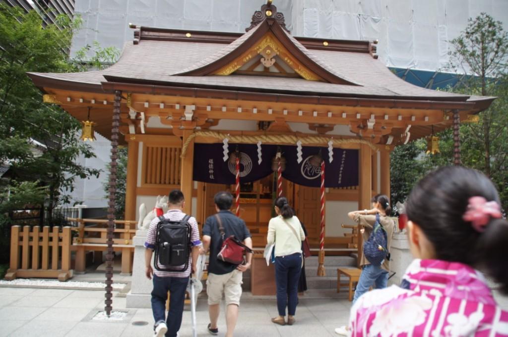 コレド室町敷地内にある福徳神社でご祈願